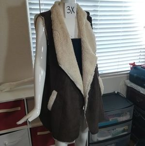 Jackets & Blazers - 3X brown vest with sheep like lining